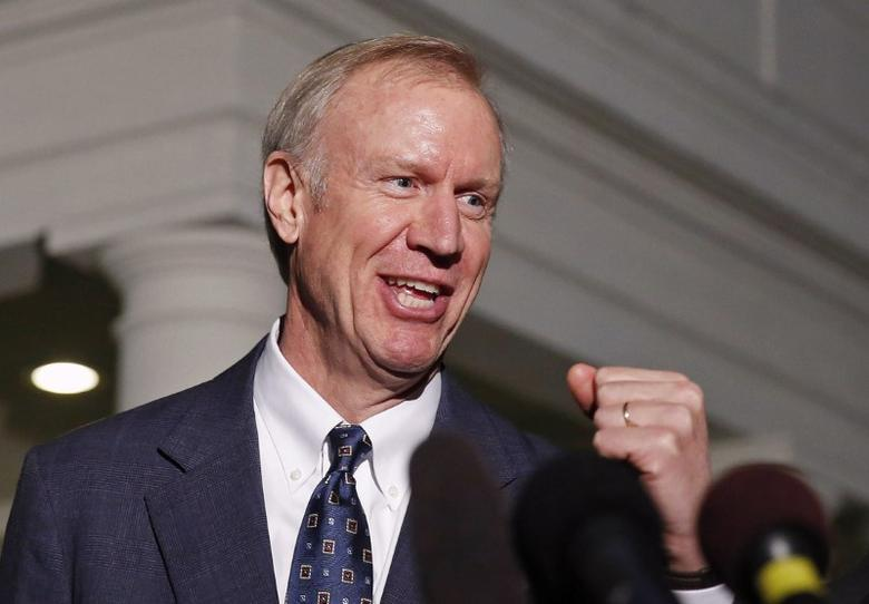 FILE PHOTO -  Bruce Rauner talks to the media after a meeting with Barack Obama at the White House in Washington December 5, 2014.       REUTERS/Larry Downing/File Photo