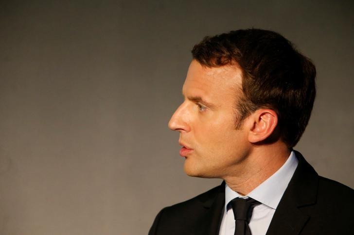 Emmanuel Macron, head of the political movement En Marche!, (Onwards!) and candidate for the 2017 French presidential election, delivers a speech at the event ''La France: start-up nation'' in Paris, France, April 13, 2017. REUTERS/Charles Platiau