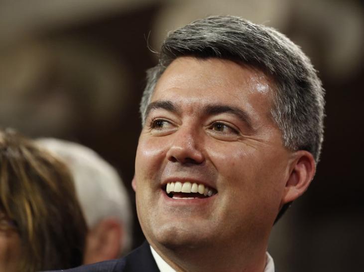 U.S. senators seek lifetime ban on ex-Congress members lobbying