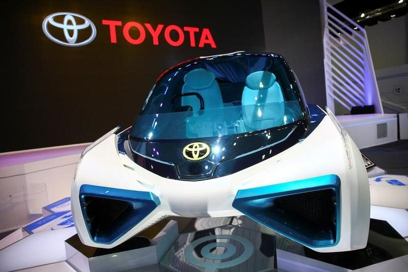 Toyota, tech firms explore blockchain for driverless cars