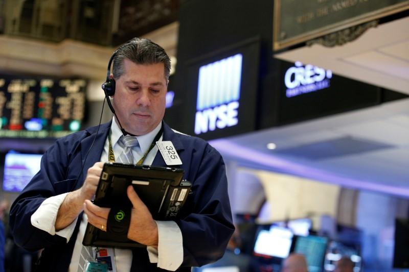 U.S. stocks scale new peaks on retailer results; oil falls