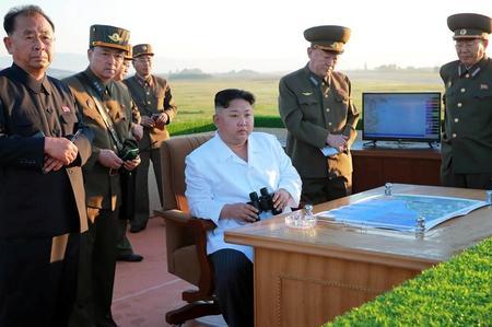 وكالة: الزعيم الكوري الشمالي أشرف على تجربة صاروخية بنظام توجيه جديد
