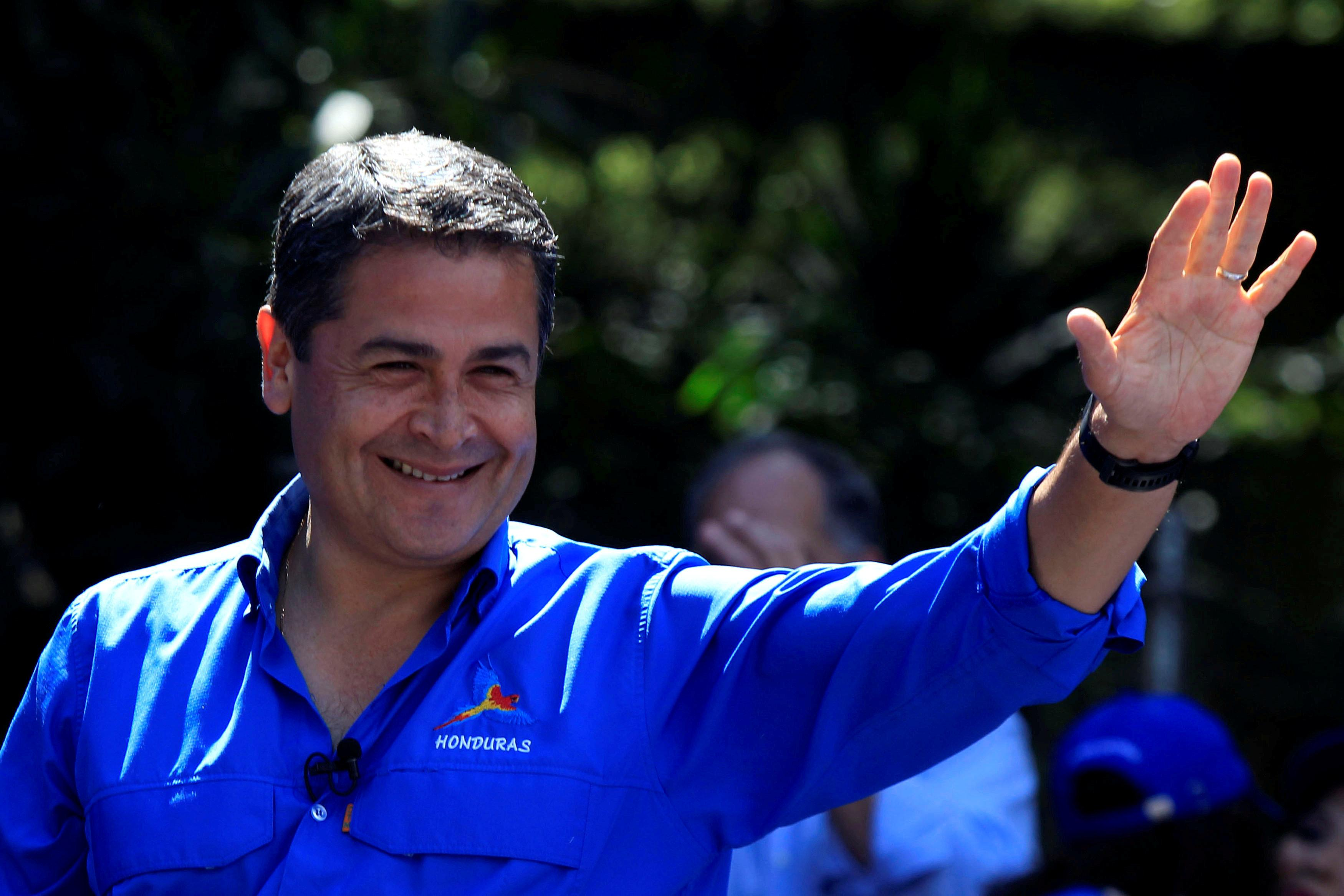 Honduras President and National Party candidate Juan Orlando Hernandez gestures during his closing campaign rally ahead of the upcoming presidential election, in Tegucigalpa, Honduras November 19, 2017. Jorge Cabrera