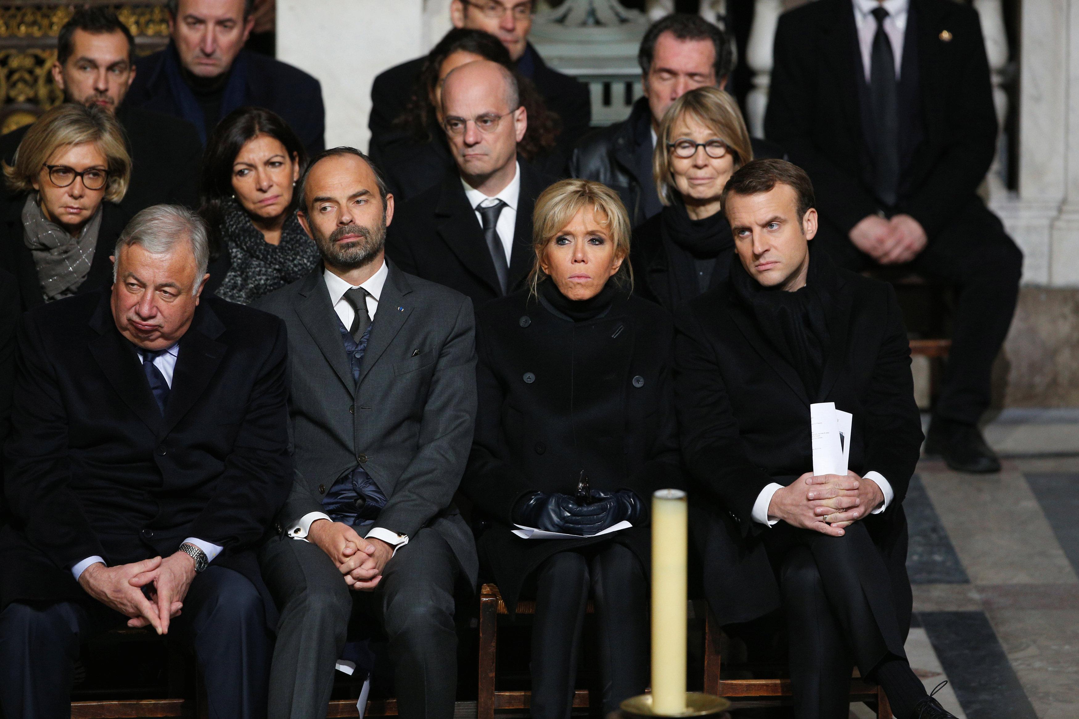 Thousands mourn rock idol hallyday at paris memorial for Brigitte camus