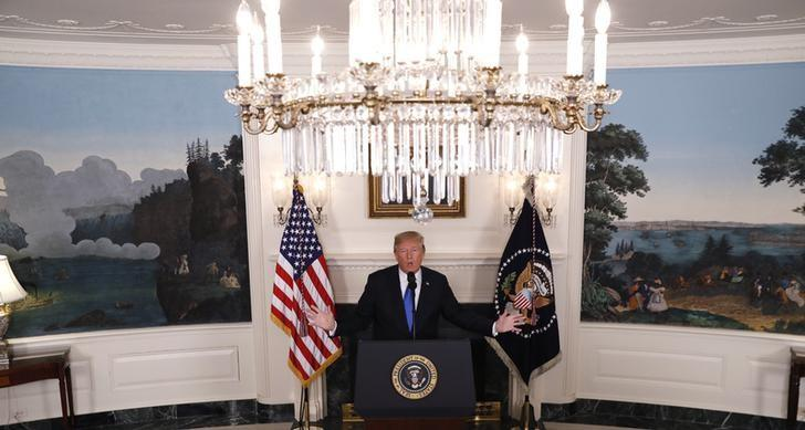 U.S. President Donald Trump discusses the Iran nuclear deal in the Diplomatic Room of the White House, October 13, 2017. Kevin Lamarque