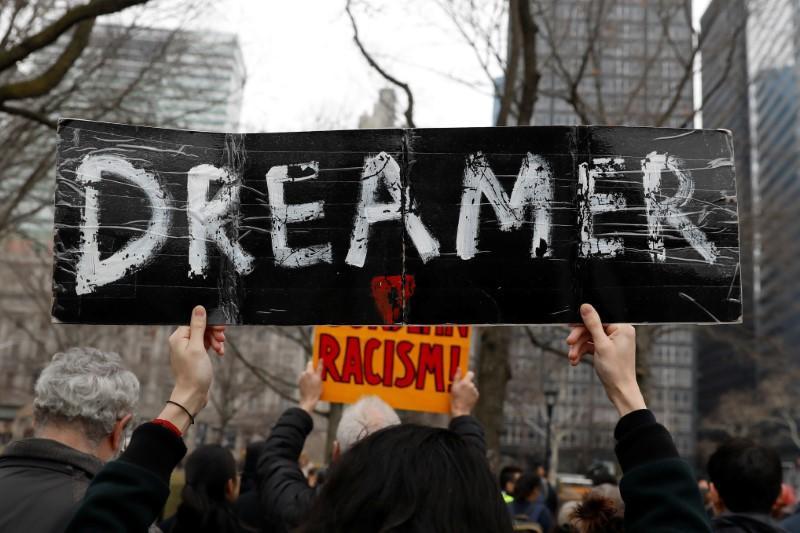 解释者:特朗普在反移民的Twitter评论中混淆了DACA计划