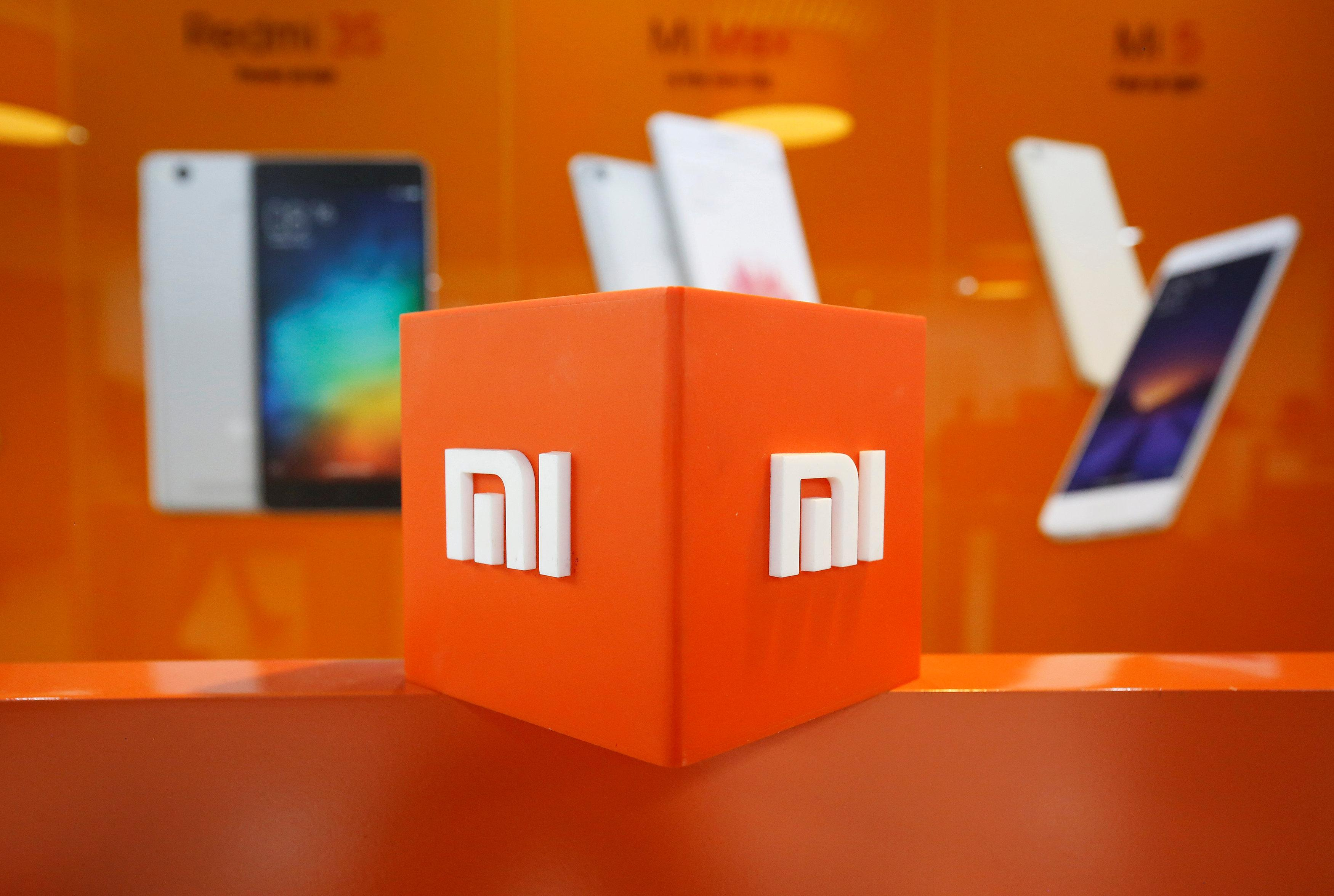 The logo of Xiaomi is seen inside the company's office in Bengaluru, India January 18, 2018. Picture taken January 18, 2018. Abhishek N. Chinnappa/File photo