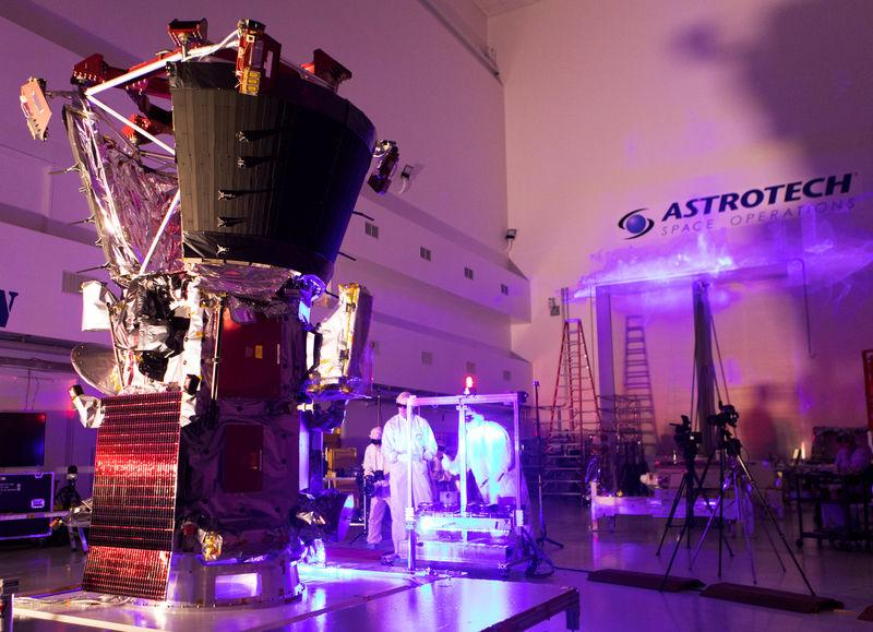Technicians and engineers perform light bar testing on NASA's Parker Solar Probe, which will travel through the Sun's atmosphere, in the Astrotech processing facility near NASA's Kennedy Space Center, in Titusville, Florida, U.S., June 5, 2018. Picture taken on June 5, 2018.   Courtesy Glenn Benson/NASA/Handout via