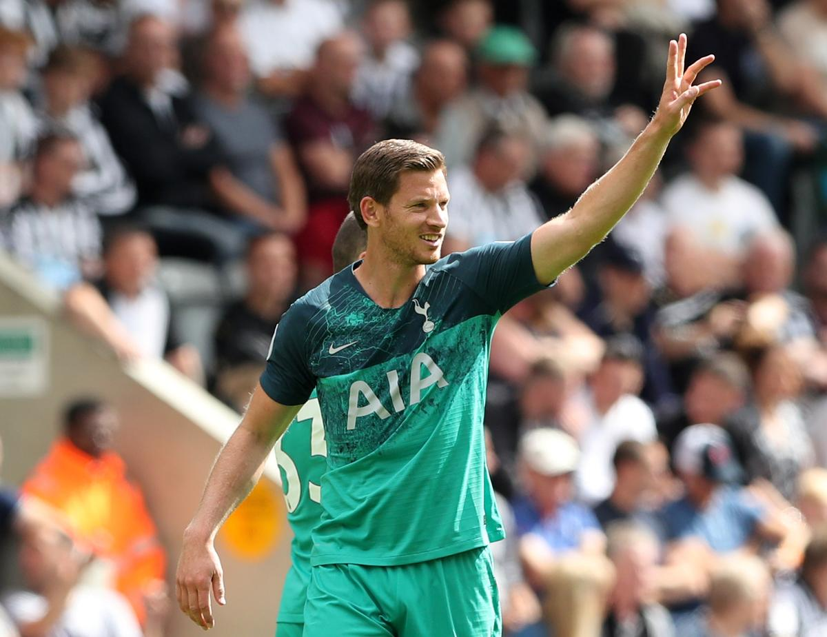 Soccer: Tottenham's Vertonghen ruled out until December due to injury