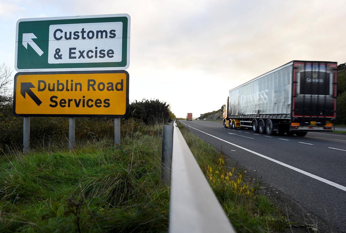 EU floats new Irish border compromise in tentative Brexit plan: FT