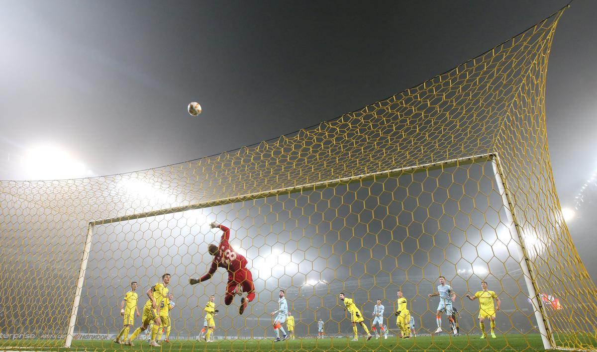 Chelsea, Lazio and Frankfurt into Europa last 32, Marseille out