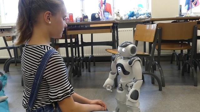 The robot teachers learning emotions