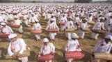 14,833 drummers set record in India - Rough Cuts
