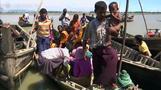 Bangladeshi fishermen rescuing Rohingya for a price