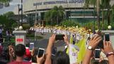 Pope Francis begins tricky visit to Myanmar