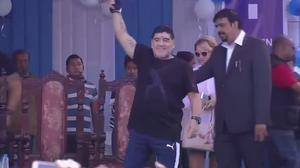 Maradona unveils statue in India