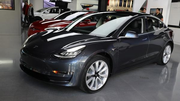 Tesla Model 3 production woes give Chevy a boost