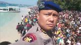 インドネシア地震で死者100人超、外国人観光客が空港に殺到(字幕・7日)