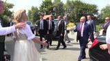 بوتين يرقص مع وزيرة خارجية النمسا في حفل زفافها