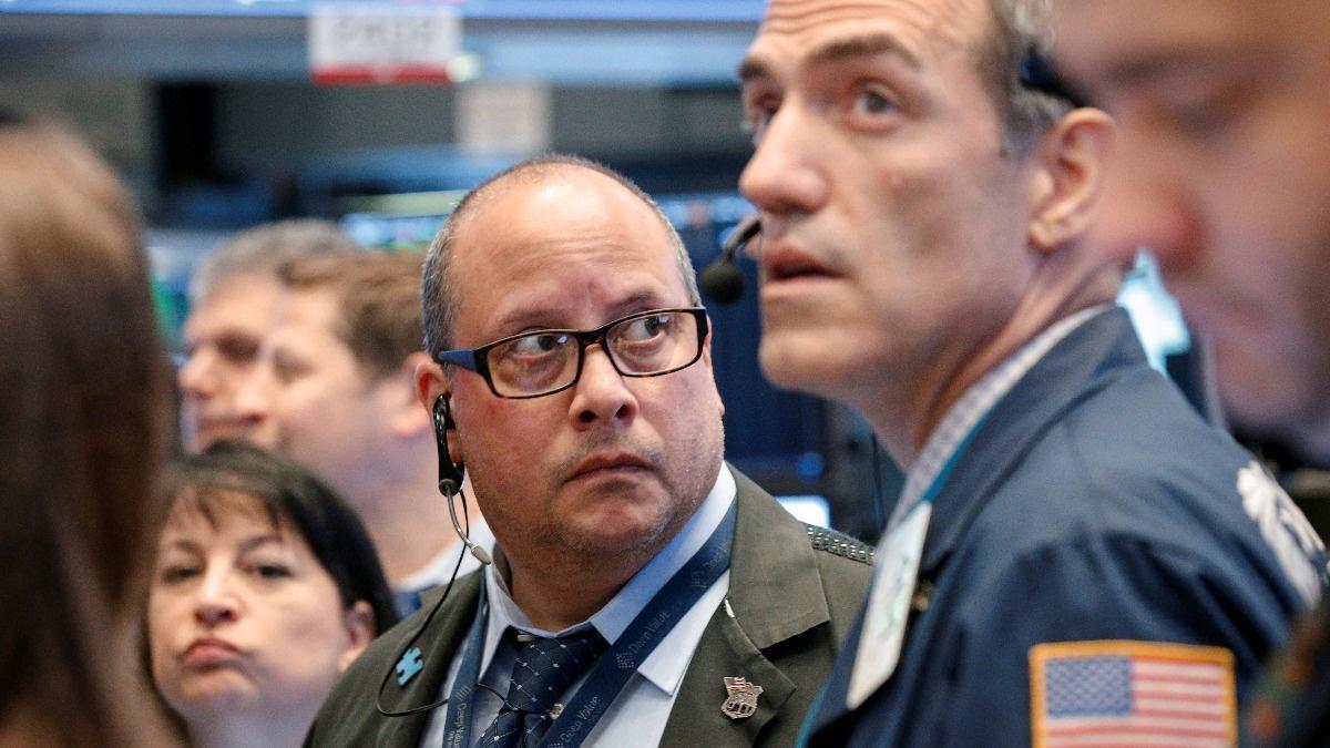 Economy is rocking & rolling, says Bankrate's Greg McBride.