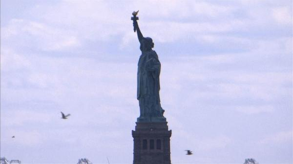 世界競争力報告、米国が10年ぶりに1位になった理由(19日)