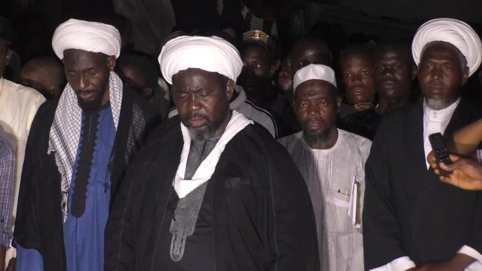 Nigerian Shi'ites pray for 42 killed by security forces