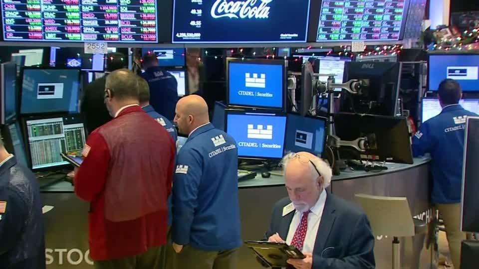 Dow, S&P slip in choppy session