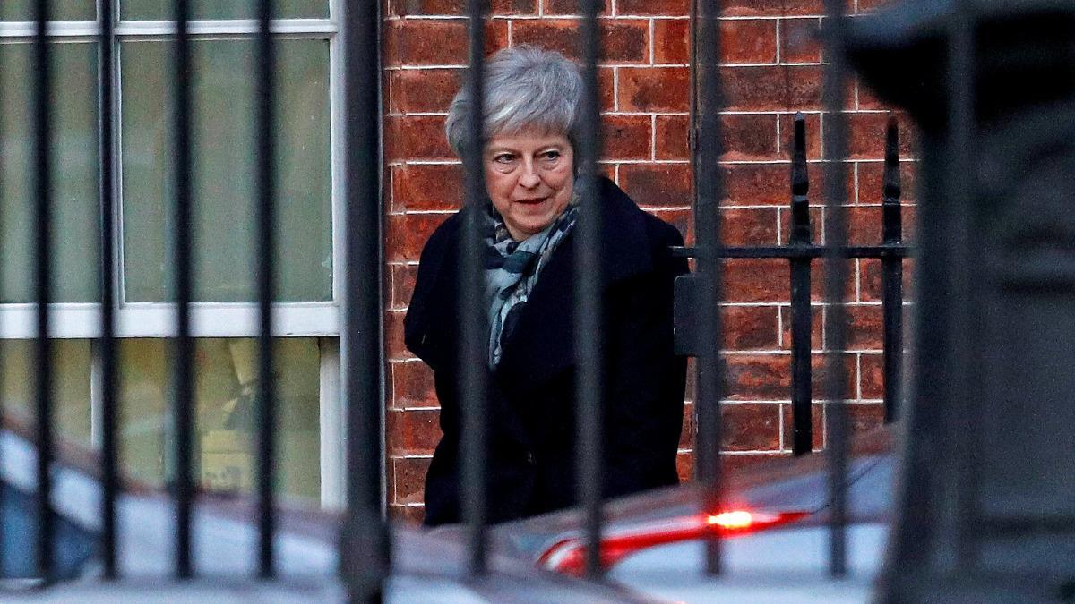 Bruised UK leader seeks Brexit help from Brussels