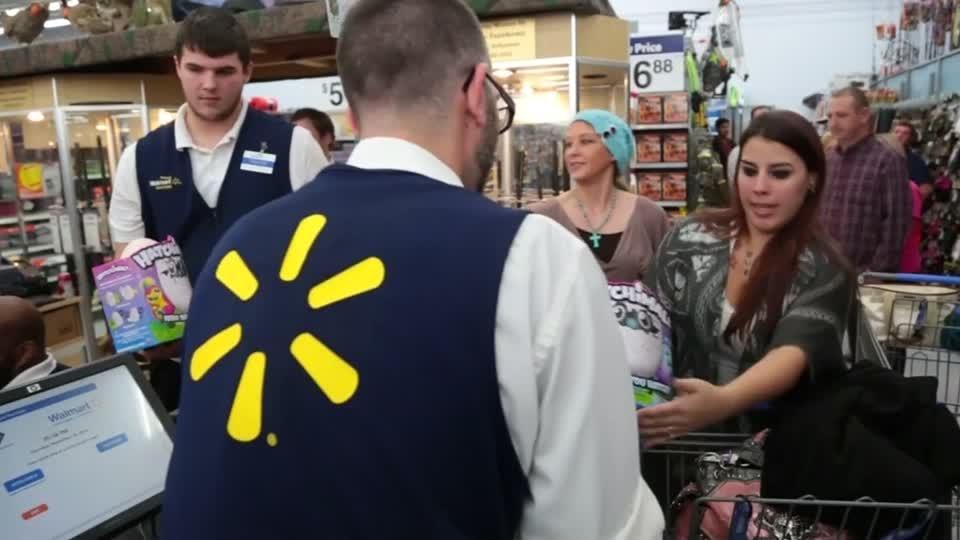 Walmart's holiday sales surge