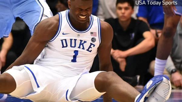 米ナイキに悪夢、試合中に靴底はがれバスケの花形選手が負傷(字幕・21日)
