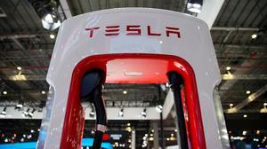 Tesla to $10 a share? Negativity piles up