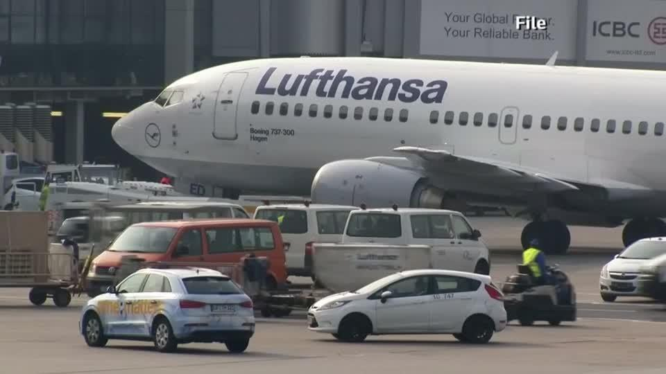 Lufthansa shares tumble after profit warning