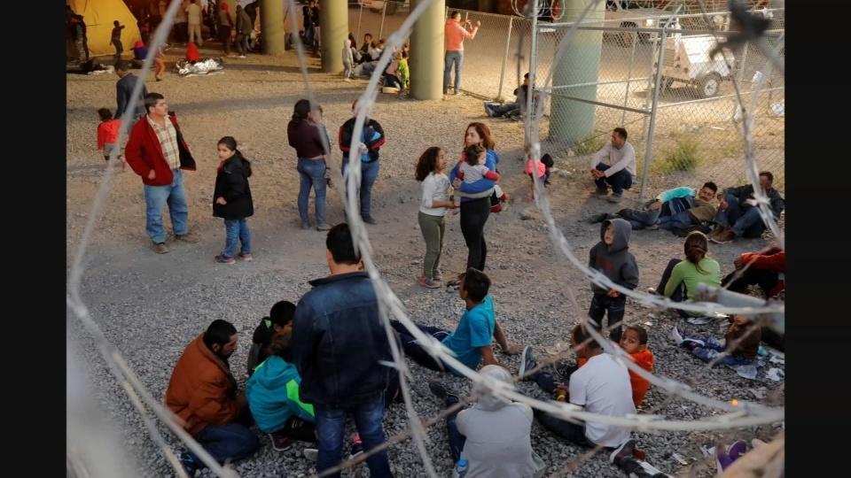 Democrats urge funding to support migrant children
