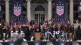 女子サッカーW杯優勝パレード、沿道から同等賃金求める声(字幕・11日)