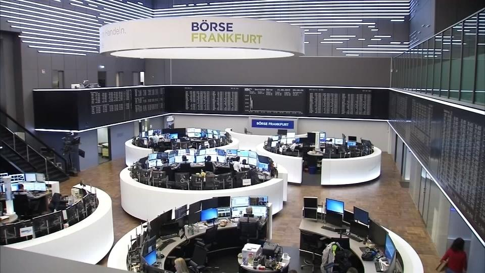 Deutsche Bank leads European shares higher, China stocks up