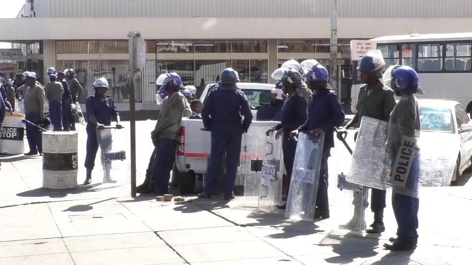 Police thwart opposition rally in Zimbabwe's Bulawayo