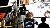 Migranten verlassen Rettungsschiff  \
