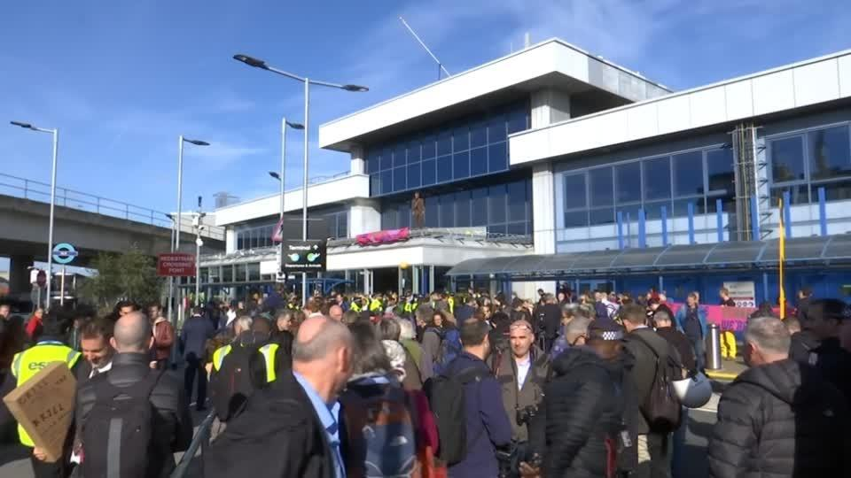 Climate change protesters descend on London City Airport
