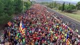 آلاف يتدفقون على برشلونة في اليوم الخامس من احتجاجات قطالونيا
