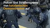 Polizei räumt Straßensperre