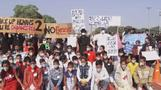 Indian students protest against pollution