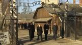 Merkel erinnert an Verbrechen im KZ Auschwitz-Birkenau