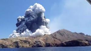 新西兰白岛火山喷发 至少5人丧生