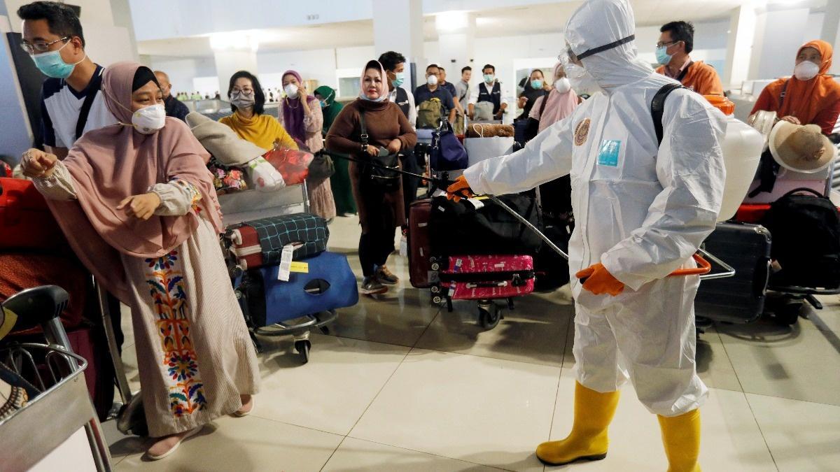 Coronavirus contagion besieges travel industry