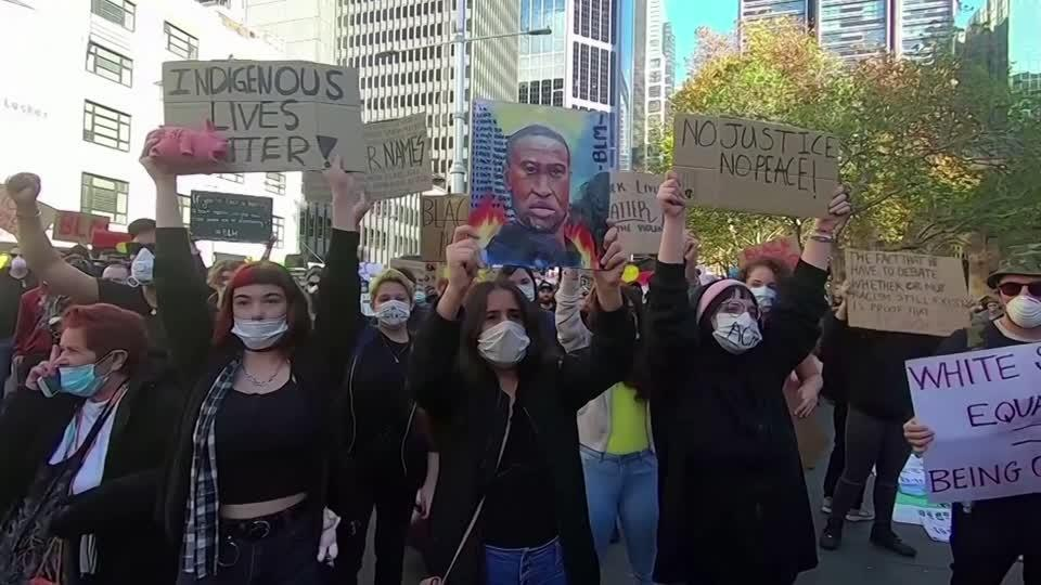 Pepper spray and kneeling amid Australia's BLM protests