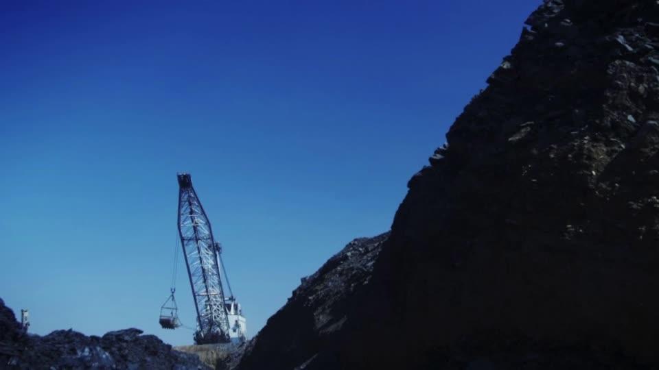 Glencore scraps $2.6 bln dividend after loss