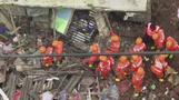 インドでアパート倒壊、がれきから男性救助 20人死亡(字幕・23日)