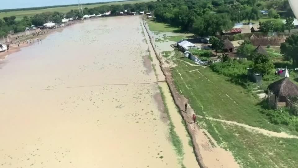 South Sudan floods displace 600,000 people