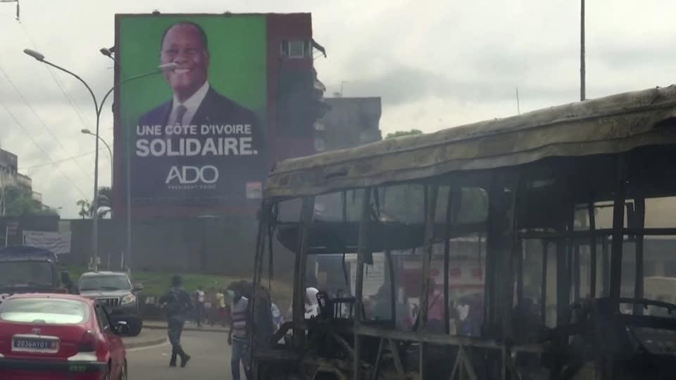 Ivorians flee the capital ahead of election