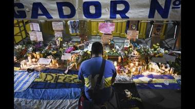 「マラドーナは死んでいない」 アルゼンチンファン、感謝のチャント(字幕・26日)